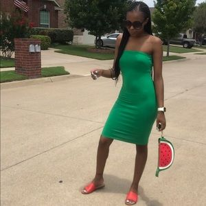 green tube dress.